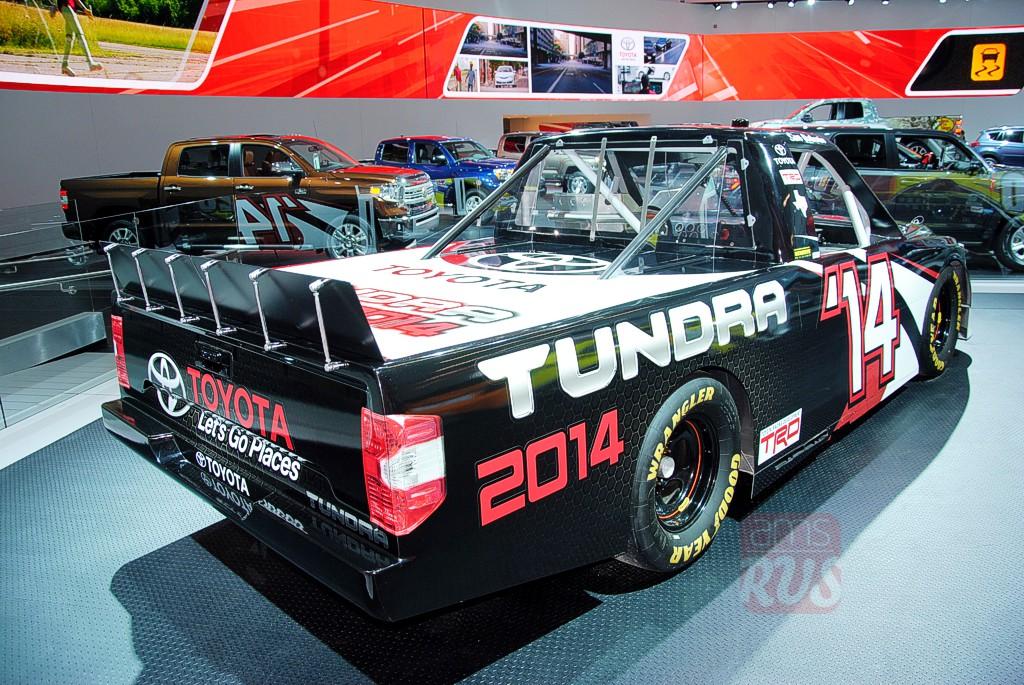 гоночный пикап Toyota Tundra