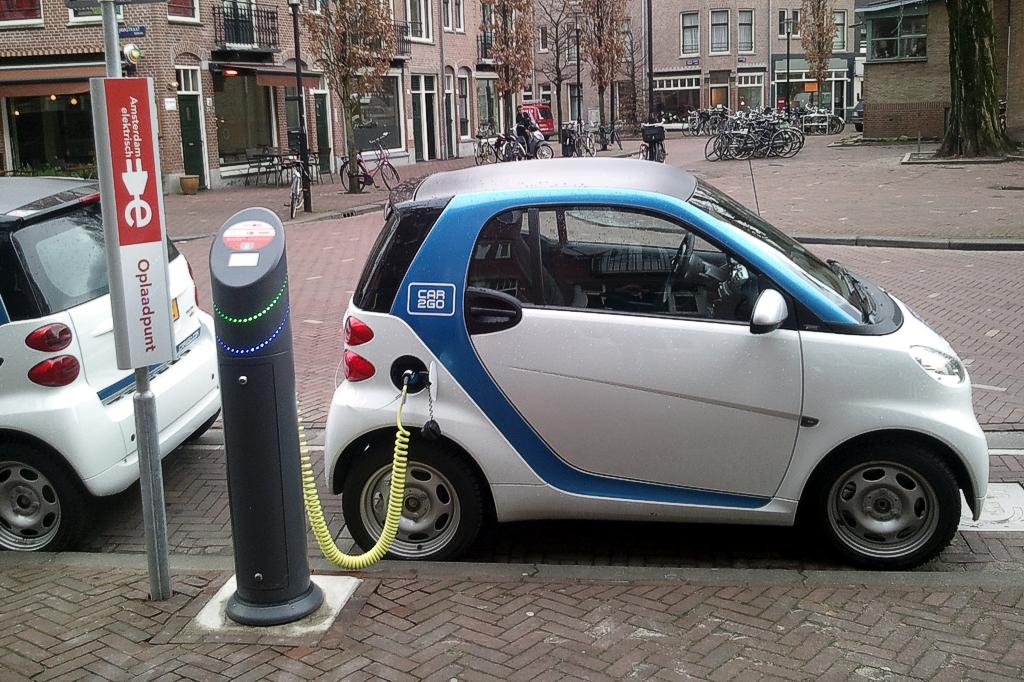 За 9 месяцев продажи электромобилей в России снизились почти на 20%