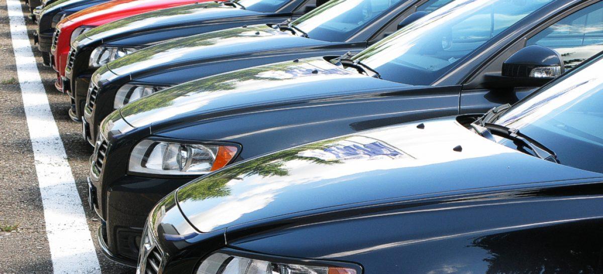 Новый или подержанный: покупаем авто