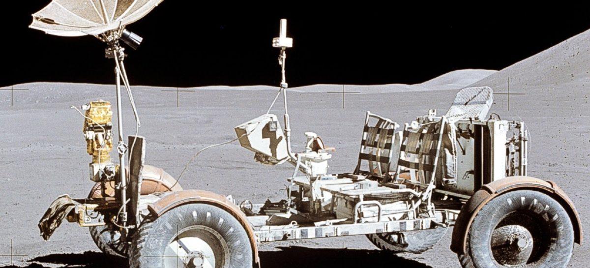 Первый пассажирский автомобиль на Луне — 1972 год