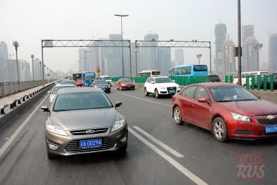 Жители больших китайских городов действительно предпочитают удлиненные седаны