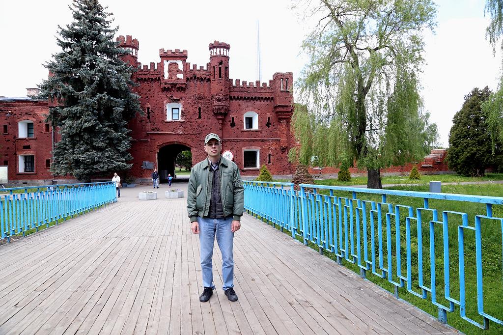 Холмские ворота и мост... я стою на месте гибели нескольких сотен человек...