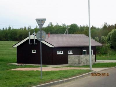 Это туалет. Сам по себе. Без бензоколонки и прочей инфраструктуры. В Белоруссии не писают на обочине.