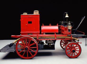 Пожарный автомобиль Даймлера — 1888 год