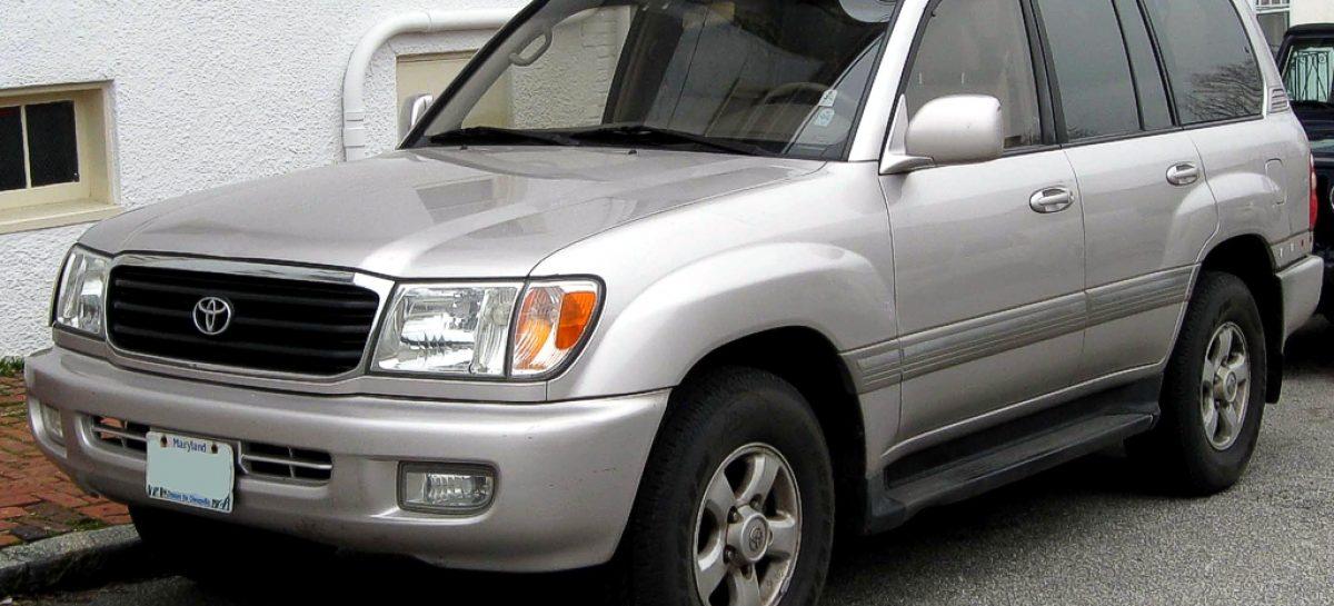 Машин с мощным бампером уже нет — берите Toyota Land Cruiser