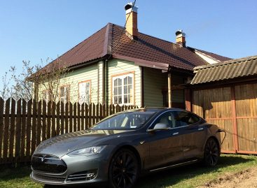 Tesla – опыт использования в Москве