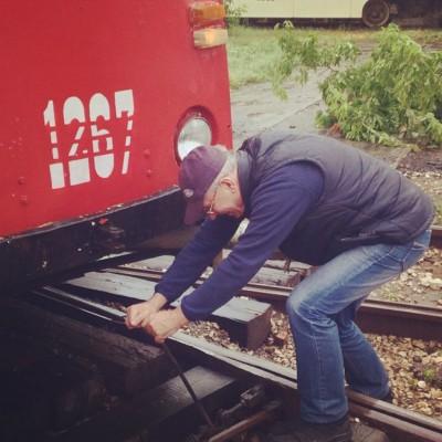 Александр Пикуленко переводит стрелки на трамвайных путях