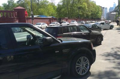 Автомобили, припаркованные не по правилам