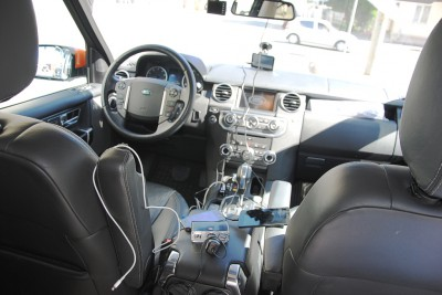 Land Rover Discovery 4 обвешан гаджетами и проводами
