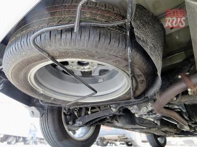 Тест-драйв Mitsubishi Outlander. Запасное колесо находится снизу