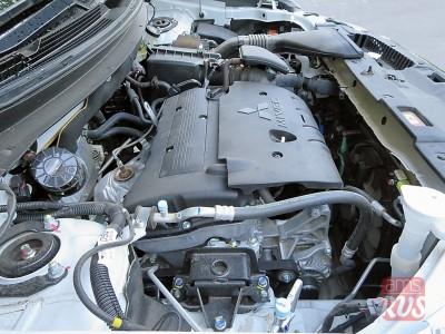 Тест-драйв Mitsubishi Outlander. Двигатель и все, что под капотом