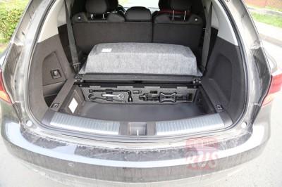 Удобная организация пространства в Acura MDX