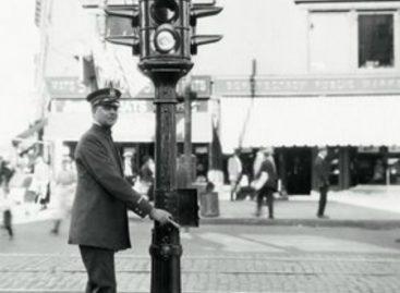 Взгляд на светофор из 1930 года