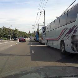 парковка под знаком для служебного транспорта