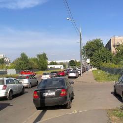 пробка стала растягиваться до середины 3-й Магистральной улицы