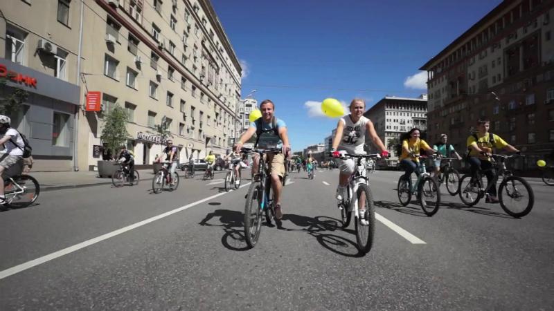 Велосипедисты в Москве
