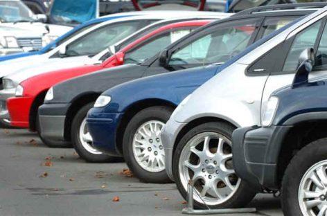 Средний возраст автомобилей на вторичном рынке России пять лет?