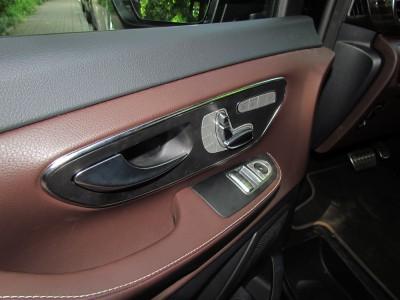 Салон Mercedes-Benz V250