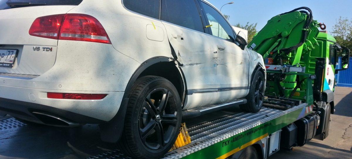 В Госдуме могут запретить эвакуацию автомобилей из-под запрещающих знаков