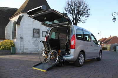 Автомобиль с оборудованием для инвалидов Peugeot