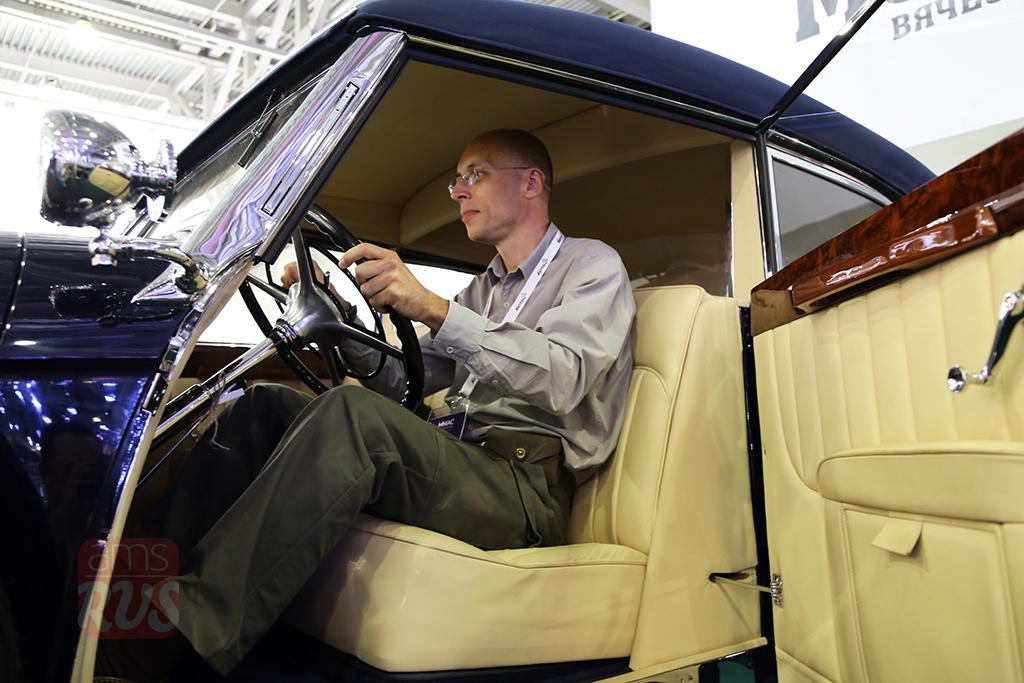 Сергей Асланян в кабине Mercedes-Benz 770 Cabriolet B
