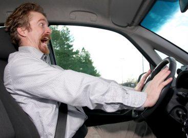 В Лондоне открыли курсы обучения на автомобилях с левым рулем