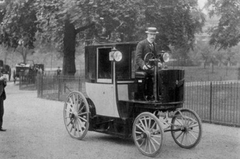 Первый штраф за вождение в нетрезвом виде был выдан в 1897 году