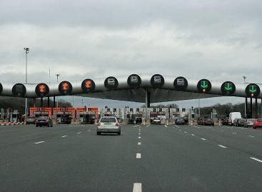 На российских автомагистралях могут появиться платные полосы