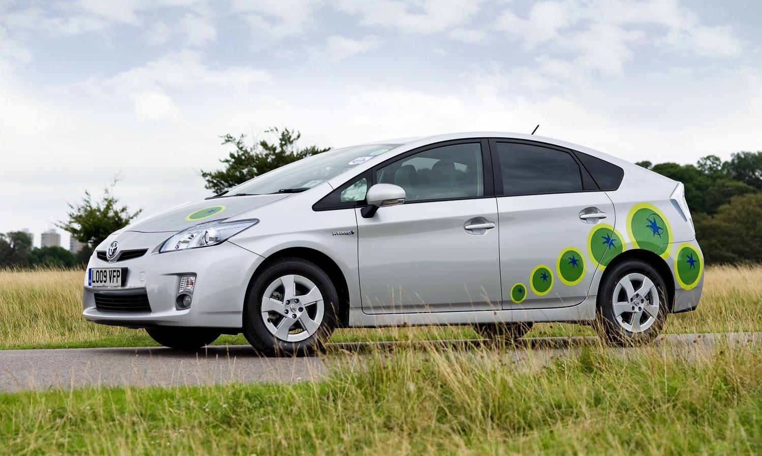 Toyota отзывает Prius