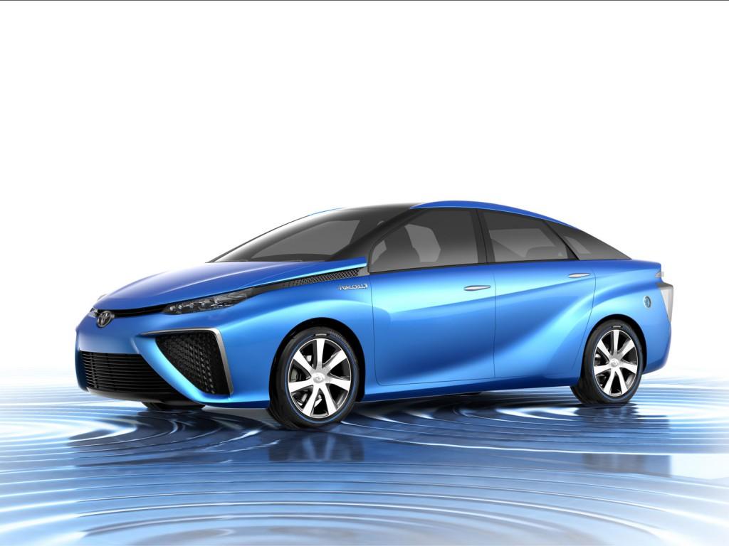 Toyota Fuel Cell на водородном топливе