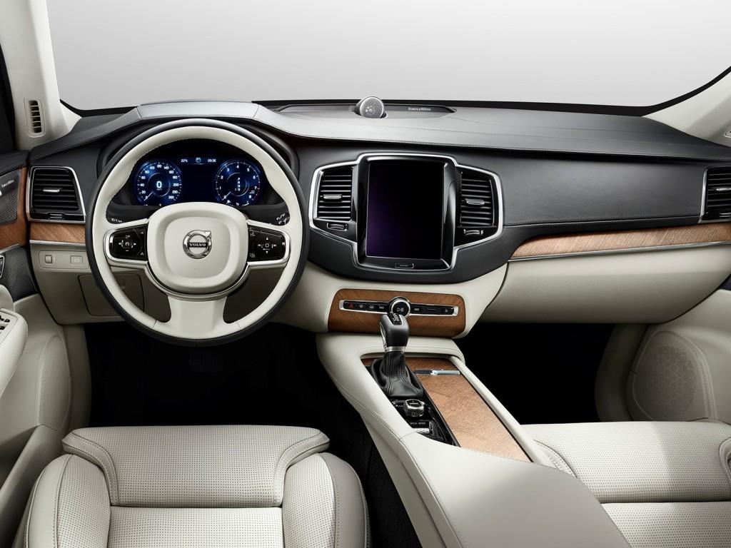 Volvo XC90 центральная консоль