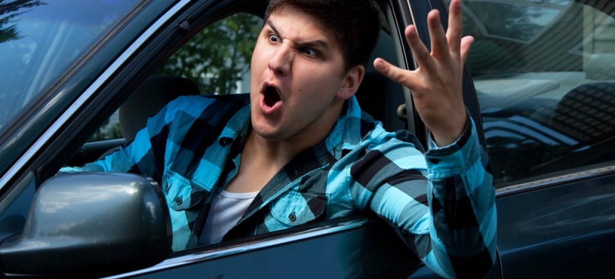 89% водителей испытывают раздражение за рулем