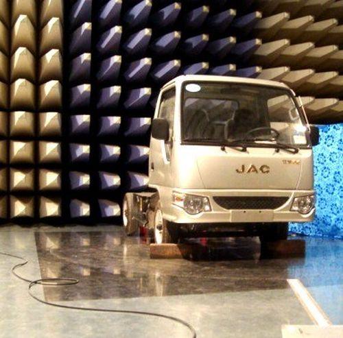 Китайский электрогрузовик JAC