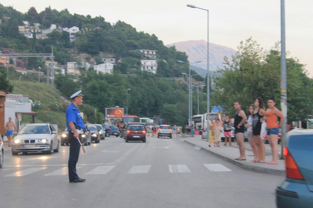 Дорожные полицейские в Черногории
