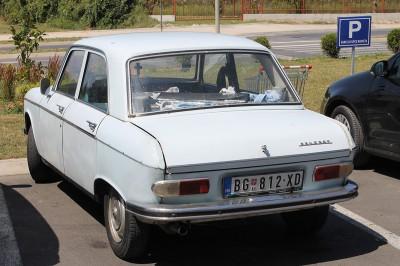 Cтарый Peugeot 204