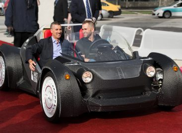 Local Motors представил напечатанный на 3D-принтере родстер Strati