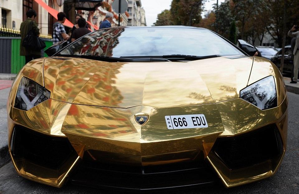 золотой lamborghini навального