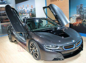 BMW i8 и много «восьмерок»