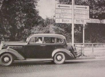 Первые дорожные знаки появились в 1903 году