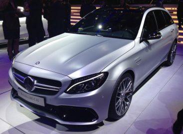 На Парижском автосалоне показали Mercedes AMG C63