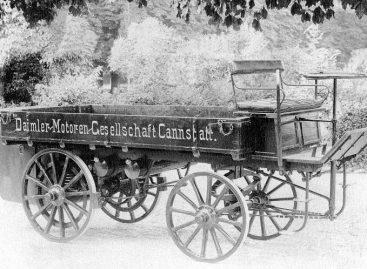 Первый в мире грузовик Daimler был выпущен в 1896 году