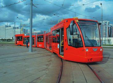 Рельсы кладут, а трамвая все нет