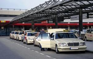 Такси в Берлине Mercedes