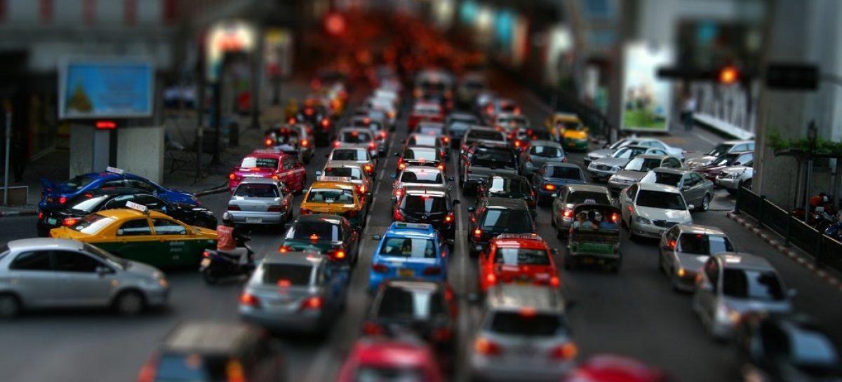 Сколько асфальта на один автомобиль приходится в разных городах мира