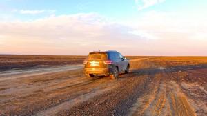 По хорошему гравию Pathfinder способен лететь под 140 км/ч не досаждая позвоночнику пассажиров