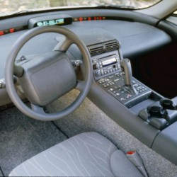В салоне электромобиля EV1