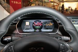 Приборы Tesla Model S