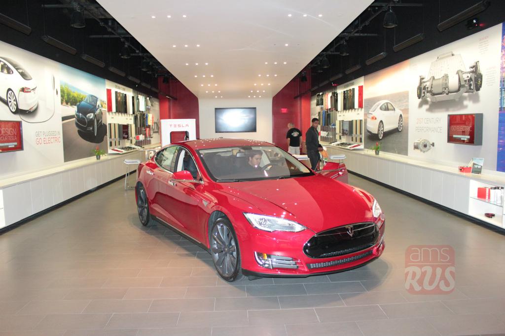 Шоурум Tesla