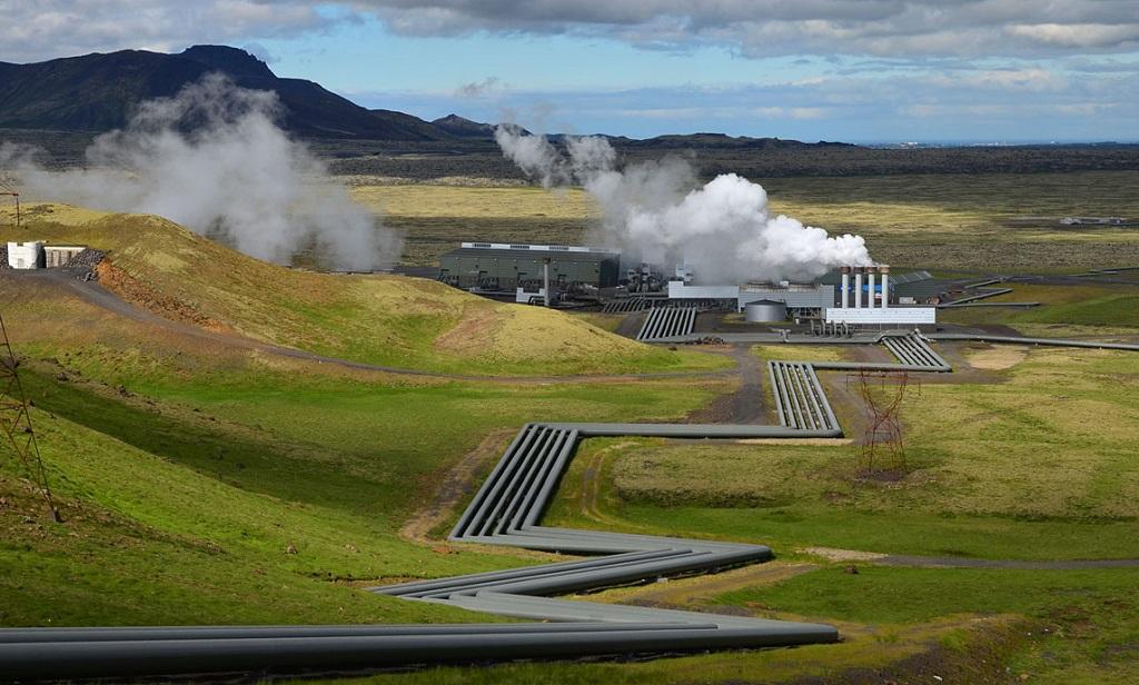 Исландская геотермальная станция