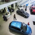Импорт легковых автомобилей в Россию с начала года упал больше, чем на четверть